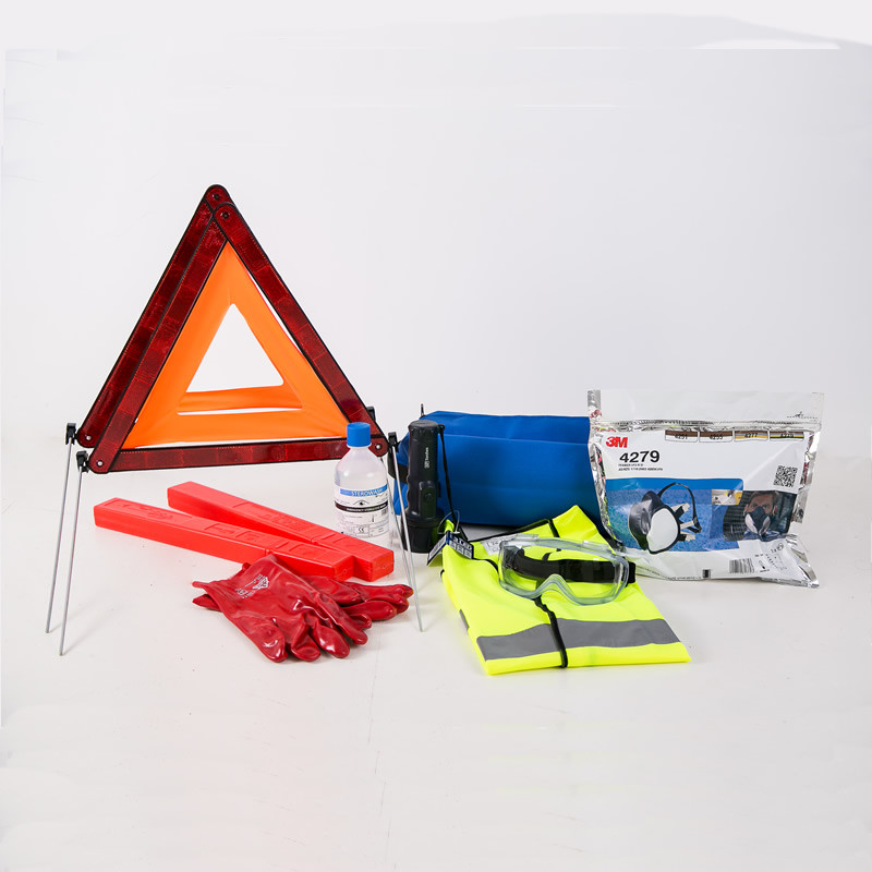 ADR safety kit with respirator 2